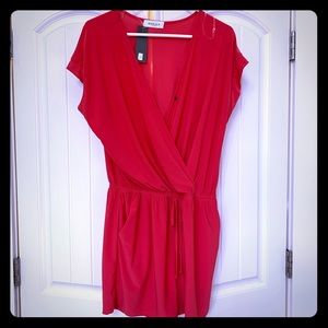 NWT coral romper- relaxed fit and super summery!